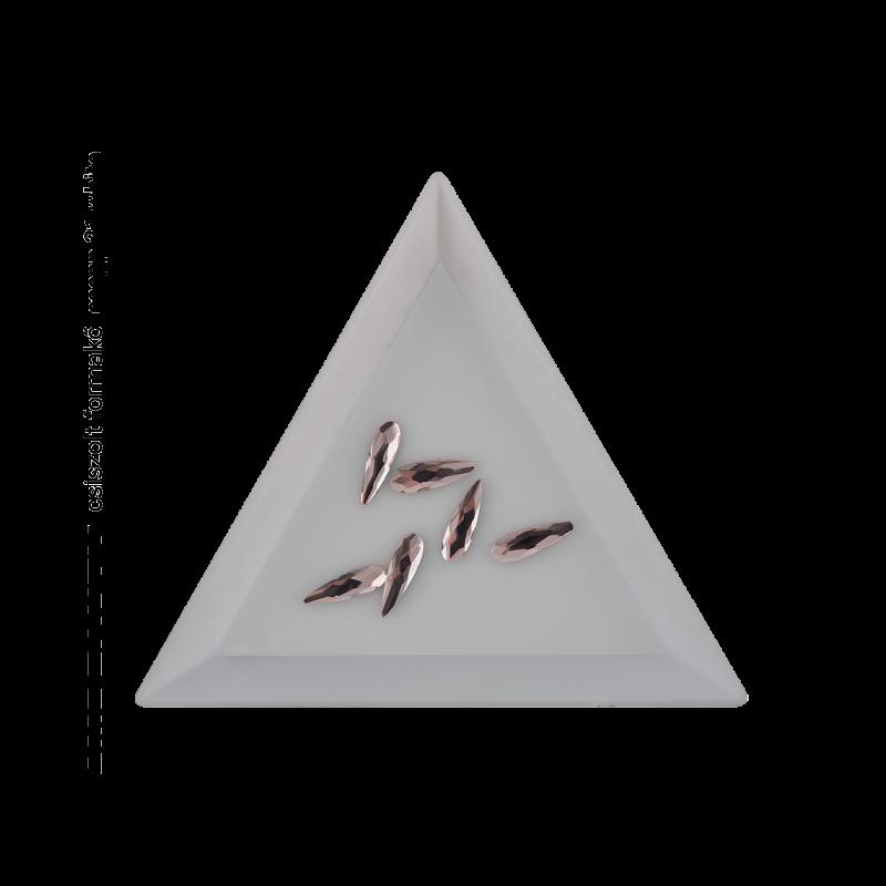 Csiszolt formakő csepp 21 white